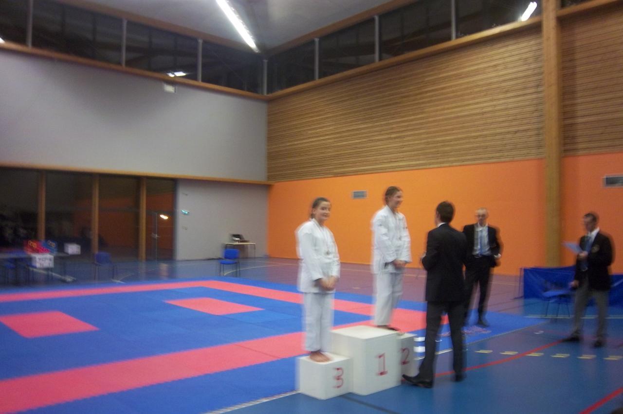 Elise TROIA médaille de bronze coupe déptale isère  kata 6 01 2013 (2)